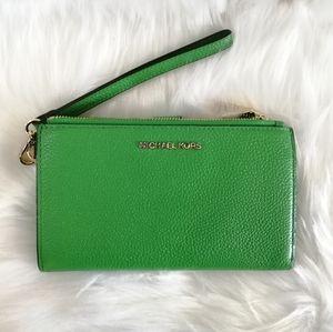 New Michael Kors Phone Wristlet Wallet Green